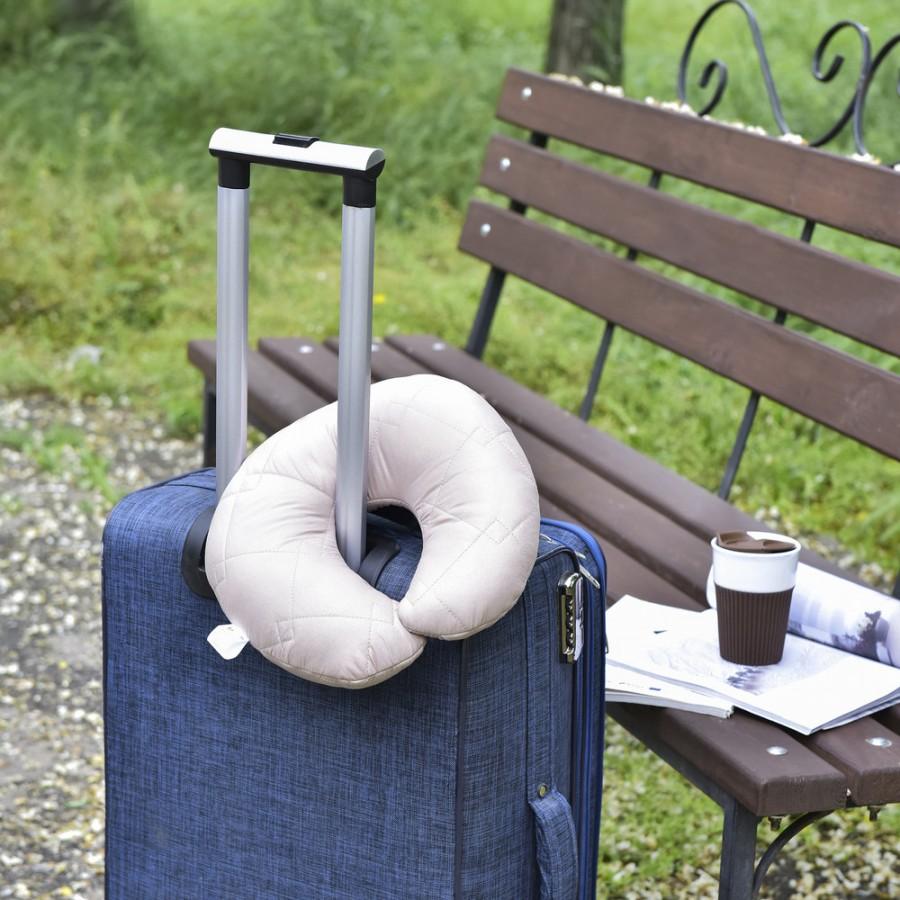 Дорожня Подушка рогалик Travel беж IDEIA